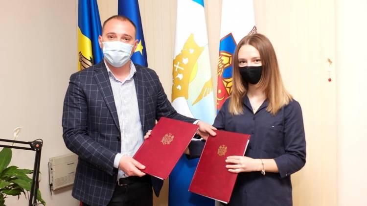 Acord de colaborare între Primăria Stăuceni și Consiliul Local de Tineret Stăuceni