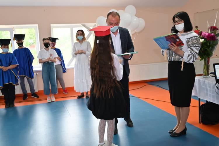 Ultimul sunet din anul de studii 2020-2021 a răsunat în instituțiile de învățământ din Stăuceni